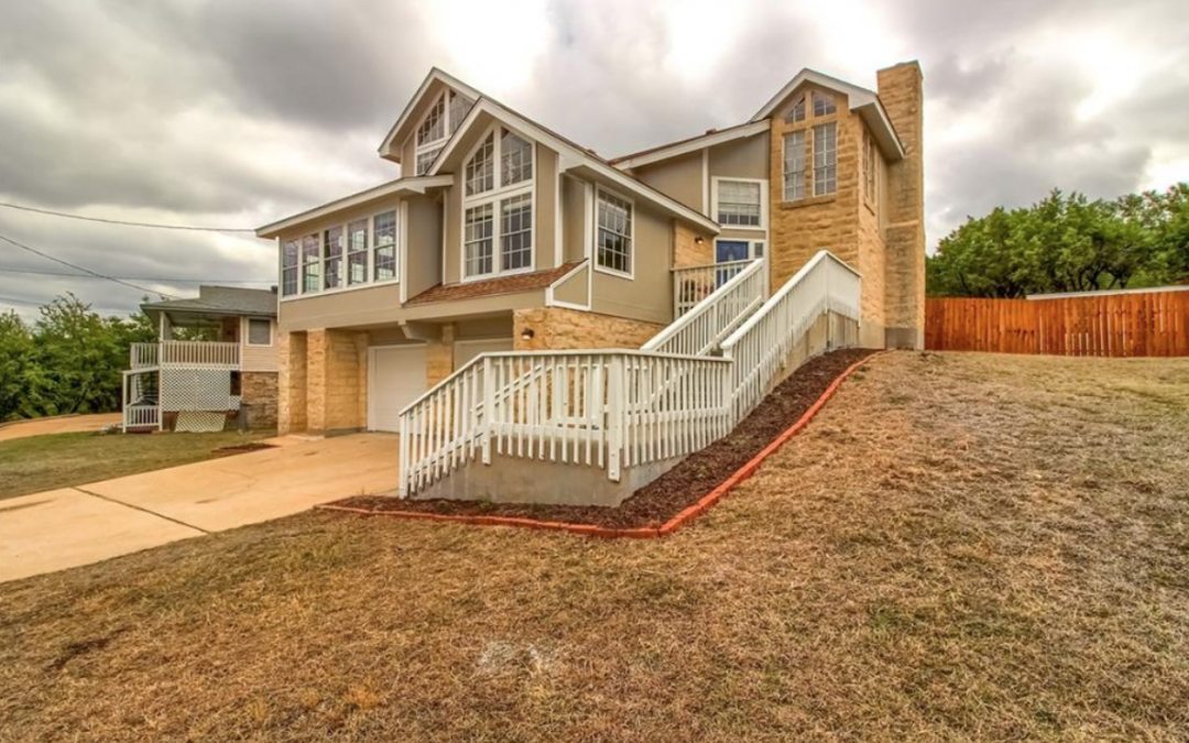Lago Vista, TX, 3 Bed, 2 1/2 Bath, Under $351k