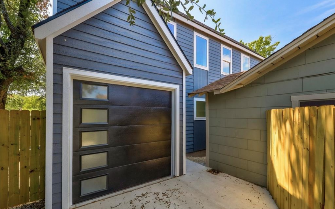Austin, TX, 2 Bed, 2 1/2 Bath, Under $340k